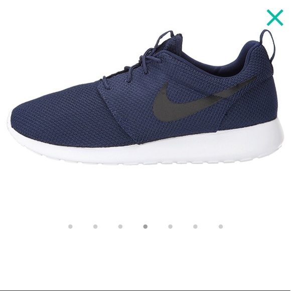 37522c6c3d66 Navy Nike Roshe Shoes. M 5ade01ab077b97e15a1c01e6
